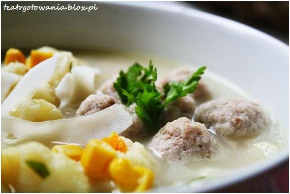 zupa z kalafiora z kokosem
