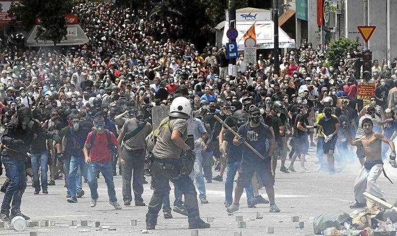 noticias Los griegos pagarán un impuesto de 4€ por cada metro cuadrado de vivienda